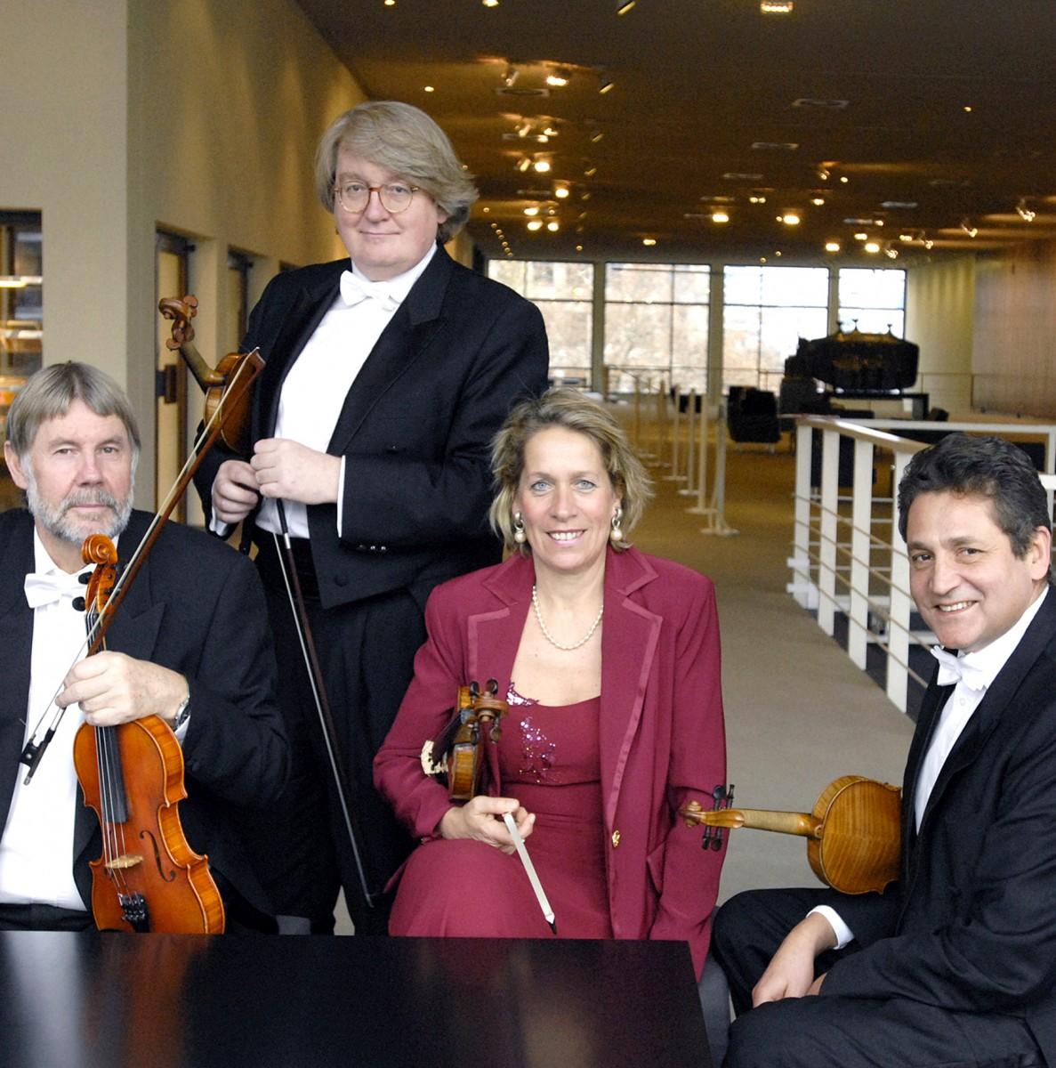 (c)  Salonorchester der Deutschen Oper Berlin